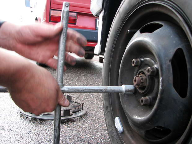 колесо прикипело к тормозному диску