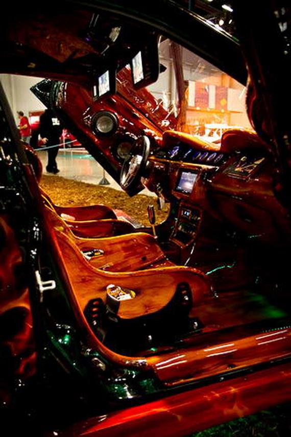 салон тюнингованного авто