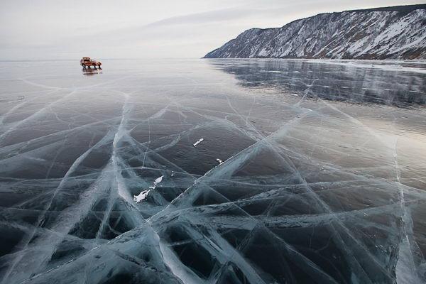 Лед трескается