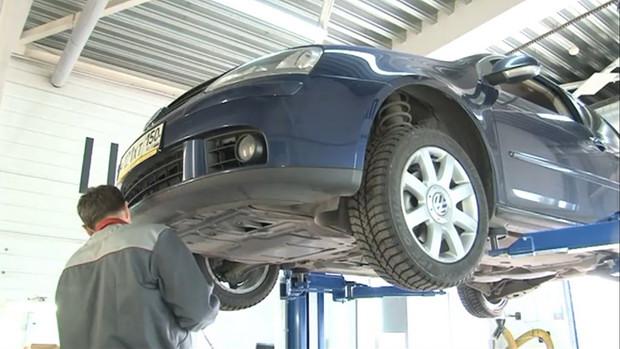 ремонт автомобиля в автосервисе