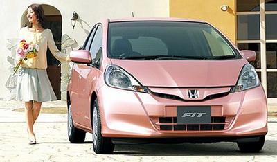 женский автомобиль Honda fit she-s