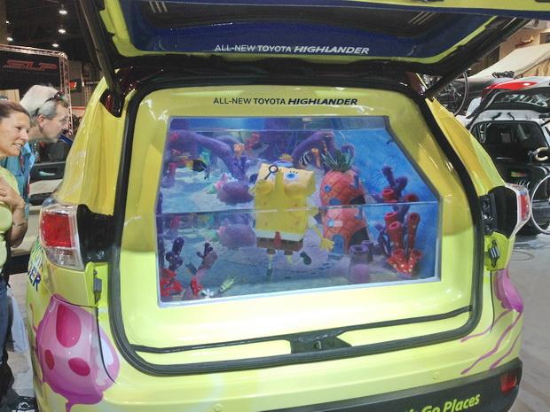Тойота со Спанч Бобом в багажнике