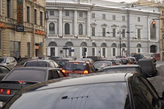большую часть времени машины в мегаполисах эксплуатируются в пробках