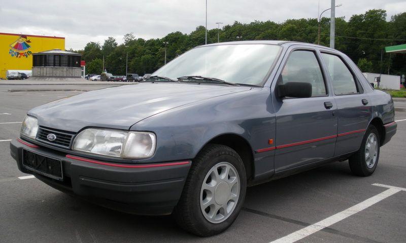 Старый Ford Sierra