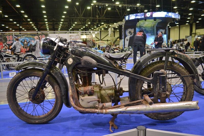 Старый восстановленный мотоцикл