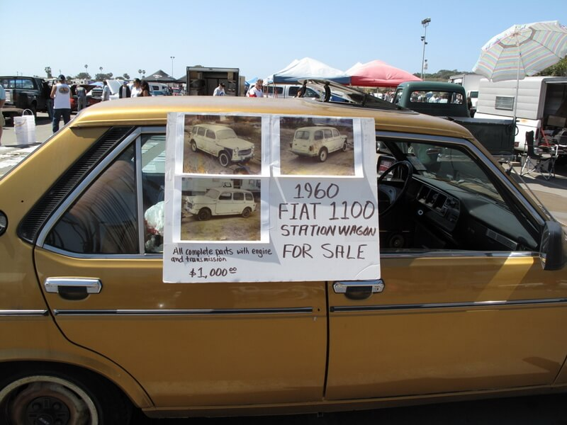 На шоу Goodguys можно не только посмотреть на ретроавтомобили, но и купить какой-нибудь раритет