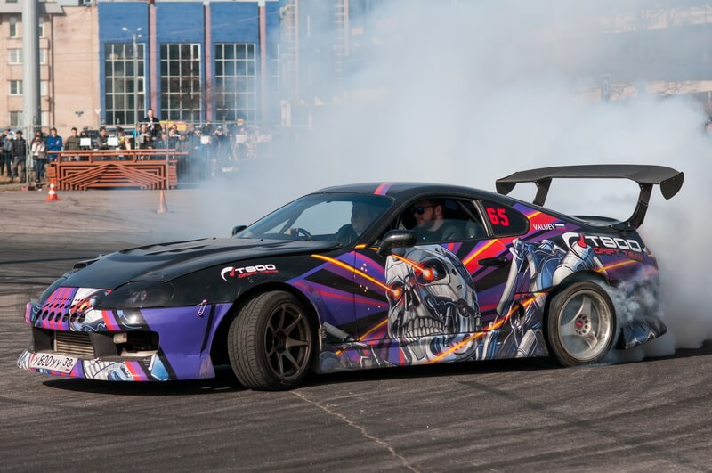 Экстремальные шоу на выставке Мир Автомобиля