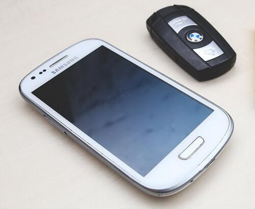 Современные сигнализации позволяют управлять машиной через мобильное приложение