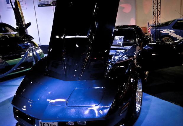 blue muscle car
