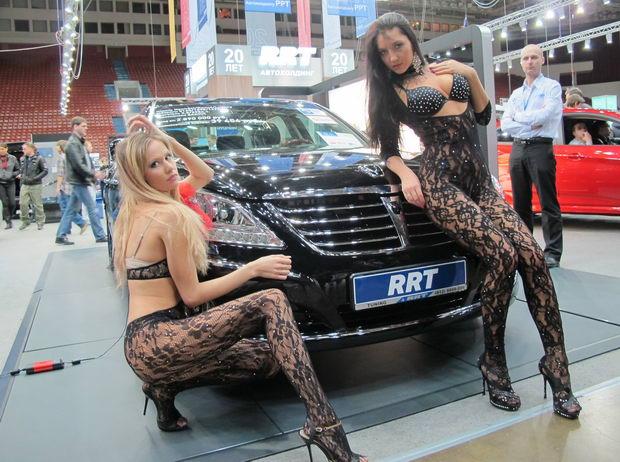 модели на стенде компании RRT
