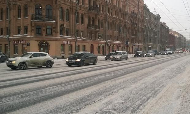 Для морозных и снежных зим в мегаполисе выбирают `липучку`