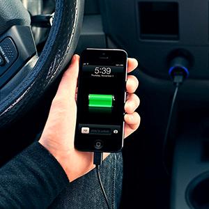 Зарядное устройство в автомобиль